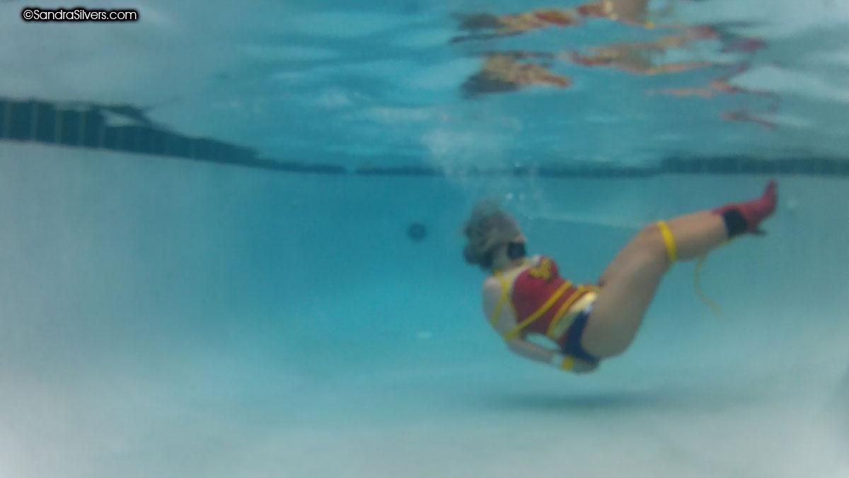 underwater bondageunderwater nude